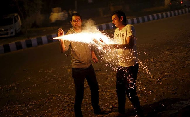 Tamil Nadu To Burst Crackers For An Hour Each On Diwali Morning, Evening