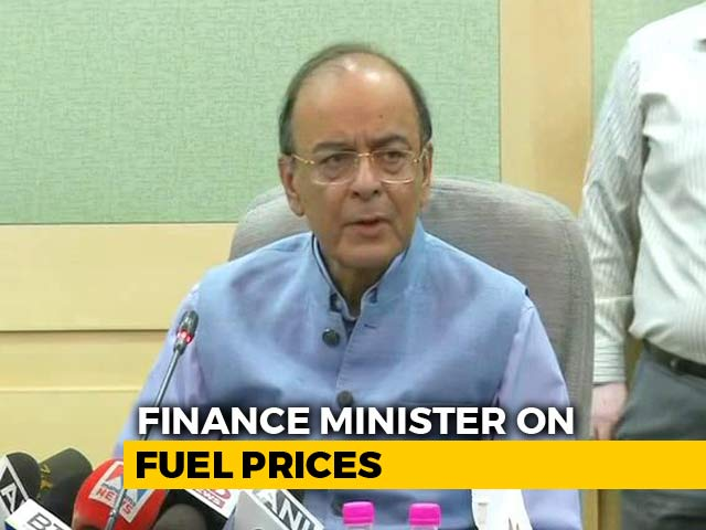 Video : Centre Cuts Petrol, Diesel Prices By Rs. 2.50, Asks States To Make It Rs. 5