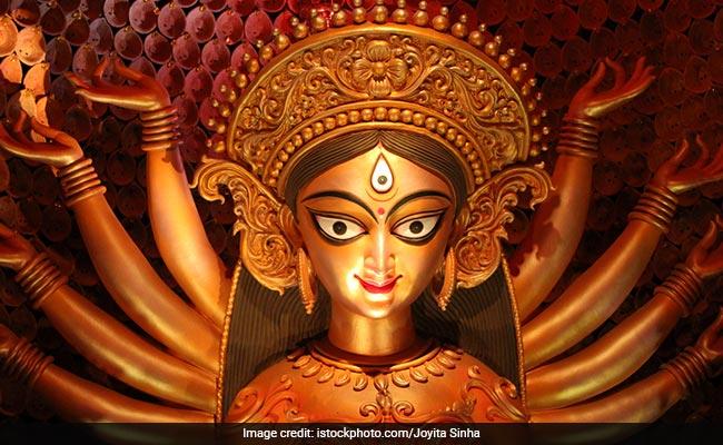 Happy Navratri 2018: नवरात्रि के इन 9 दिनों में ऐसा होना चाहिए आपका Facebook और Whatsapp Status