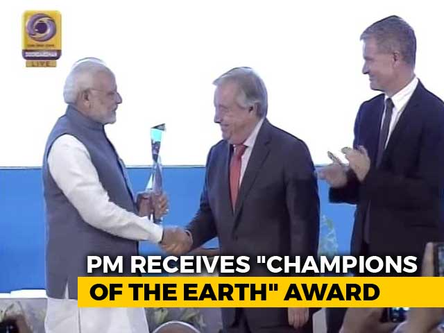 "Video : PM Modi Receives UN's ""Champions Of The Earth"" Award"