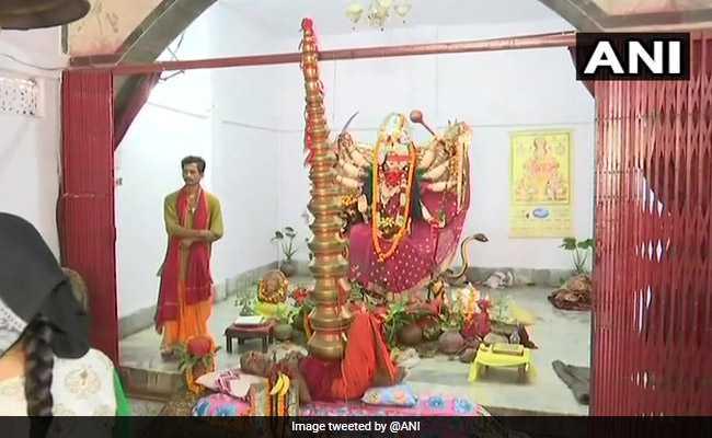 This Baba Balances 21 Pots On Stomach To Worship Goddess Durga