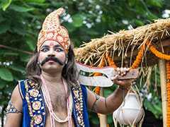 दशहरा फैक्ट्स 2018: विदेशों में भी मनाया जाता है Dussehra, कहीं कहा जाता है 'Golu' तो कहीं दी जाती है बलि