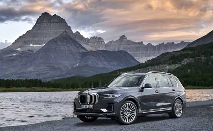 The BMW X7 will come with three rows of seating