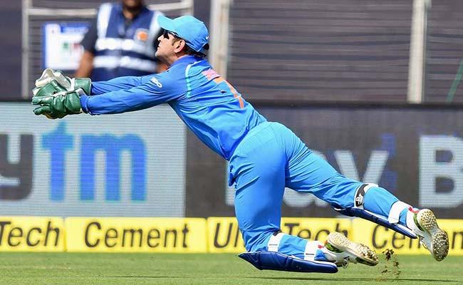 इस 'बड़ी वजह' से महेंद्र सिंह धोनी को किया गया टी-20 टीम से बाहर