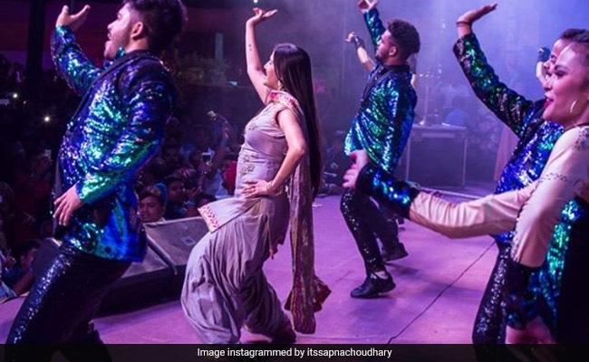 Video: सपना चौधरी लूट ले गईं बिहार, स्टेज पर दिखाए ऐसे तेवर दर्शक बोले- वाह वाह...