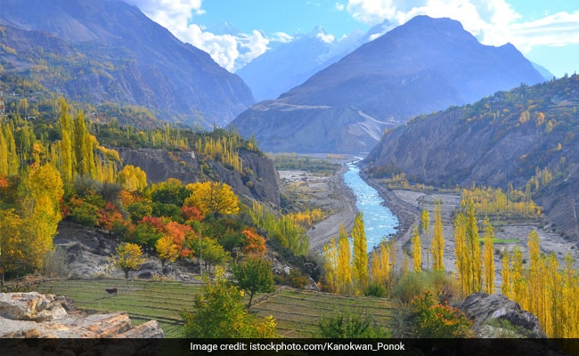 पाक सरकार कर रही विवादित गिलगित-बाल्टिस्तान क्षेत्र की कानूनी स्थिति की समीक्षा
