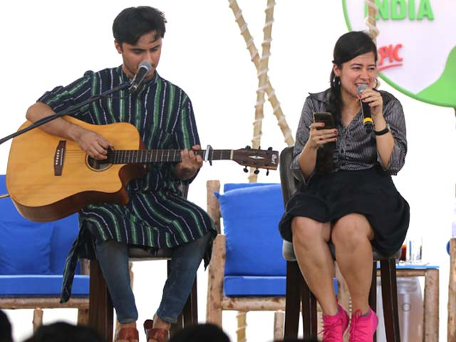 Video : Singer Vibha Saraf Performs Special Song For Swachh Bharat Campaign