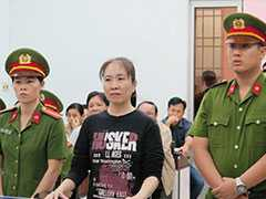 Vietnam Blogger-Activist 'Mother Mushroom' Released From Jail, Sent To US