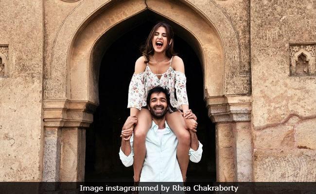 Jalebi Movie Review: Rhea Chakraborty Is Fine, Varun Mitra Has Potential