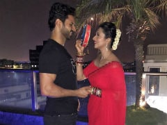 Karva Chauth 2018: Trending Pics From Divyanka Tripathi And Vivek Dahiya's 'Special Date Night'