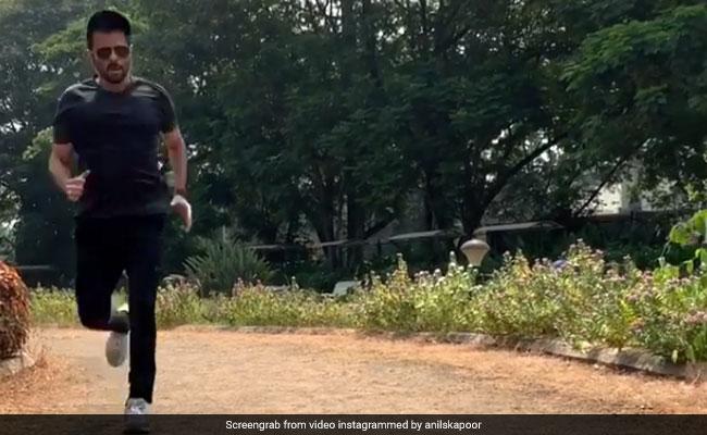 अनिल कपूर ने 61 की उम्र में लगाई फर्राटेदार दौड़, उसेन बोल्ट को भी आ जाएगा पसीना... Video वायरल