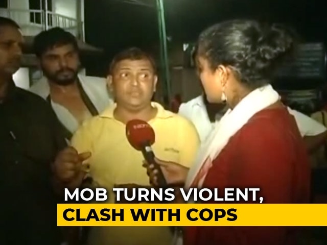 """Video : """"Mob Tried To Pull Daughter From Bus"""": Pilgrim Recounts Sabarimala Horror"""