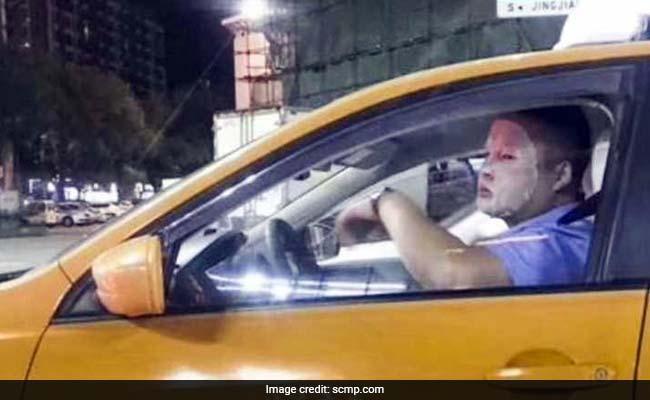 कैब चालक ने मास्क पहनकर किया कुछ ऐसा कि नौकरी से धोना पड़ा हाथ