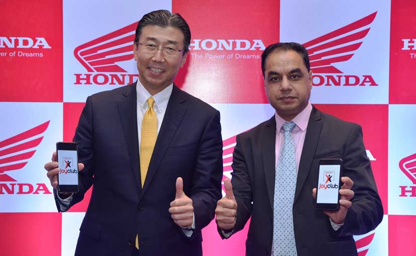 HMSI, President & CEO, Minoru Kato with VP - Sales & Marketing, YS Guleria launch Honda Joy Club