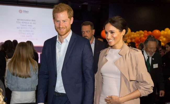 strong quake shakes new zealand during prince harry meghan markle visit