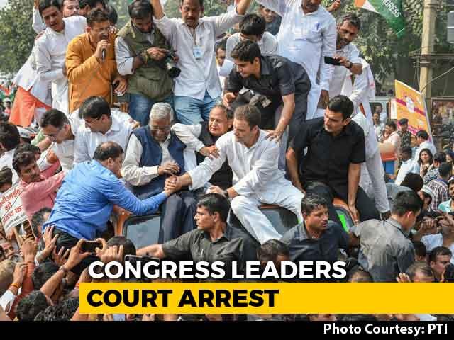 Video : Rahul Gandhi, Leading Opposition Protest Amid Big CBI War, Courts Arrest