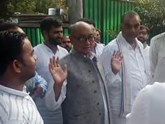 दिग्विजय सिंह ने विकास दुबे की गिरफ्तारी को बताया 'प्रायोजित सरेंडर', मध्य प्रदेश BJP को बीच में घसीटा