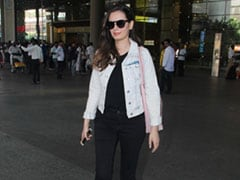 How To Look Sporty Cool Like Evelyn Sharma When Travelling