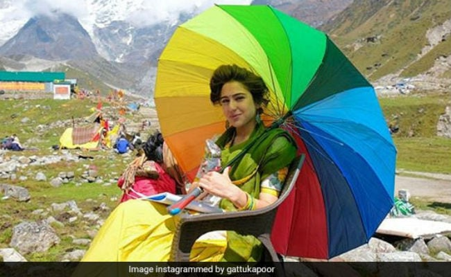 Kedarnath: Sara Ali Khan Shines Like A Rainbow In Abhishek Kapoor's BTS Photo
