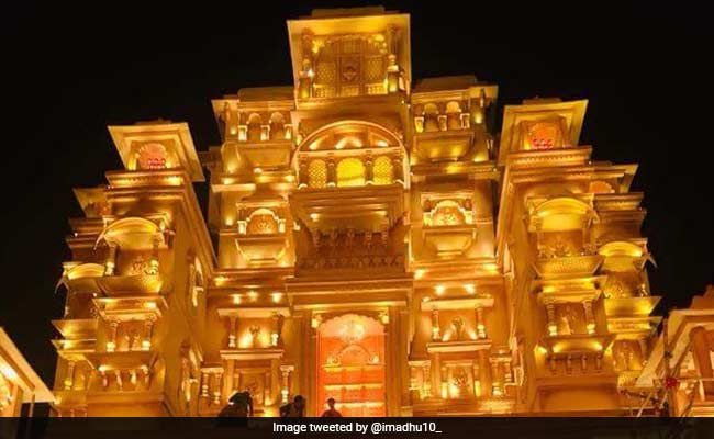 Two Durga Puja Pandals Recreate Padmaavat's Chittorgarh Fort