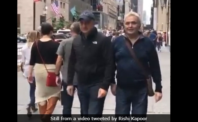 Rishi Kapoor Posts 'Care-Free' Video From New York Amidst Cancer Rumours