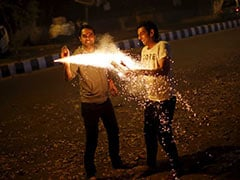Safer Firecrackers Allowed From 8 To 10 pm On Diwali By Supreme Court