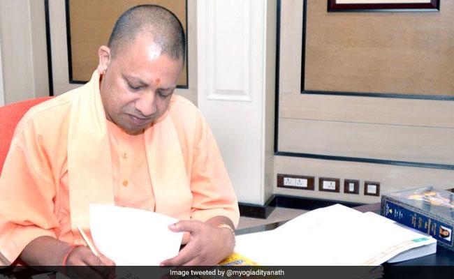 बुलंदशहर हिंसा: समीक्षा बैठक में CM योगी का केवल गोकशी पर फोकस, इंस्पेक्टर की मौत पर एक शब्द भी नहीं