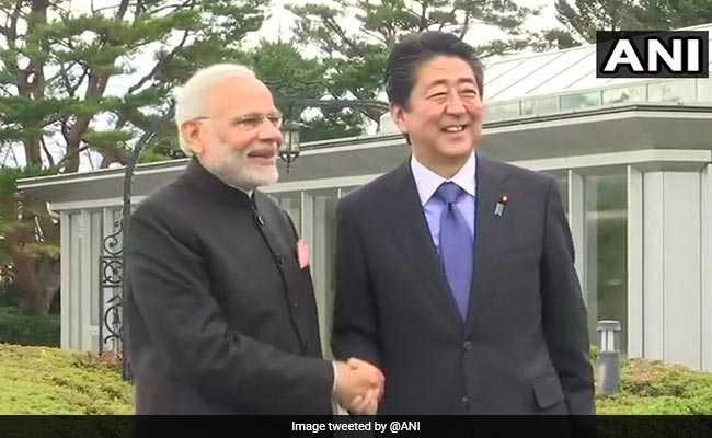 PM Modi in Japan: पीएम मोदी पहुंचे जापान, शिंजो अाबे के साथ रक्षा और क्षेत्रीय सुरक्षा के एजेंडे पर होगी चर्चा