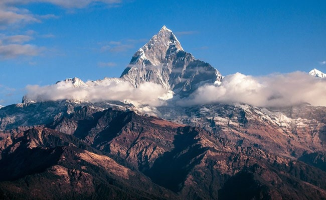 Snowstorm kills at least eight climbers on Nepal peak