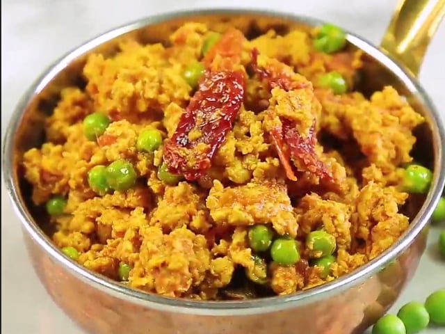 Video : How To Make Keema Matar Masala at Home