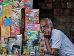Despite Green Oath, Noida Traders Continue Selling Polluting Firecrackers