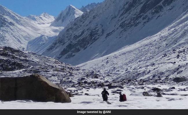 As Temperature Dips, River Freezes In Himachal Pradesh