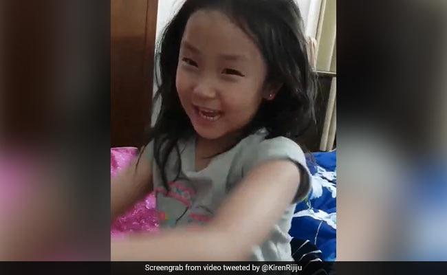 Kiren Rijiju की बेटी इस तरह खींचकर पापा को ले गई स्कूल, वायरल हुआ VIDEO
