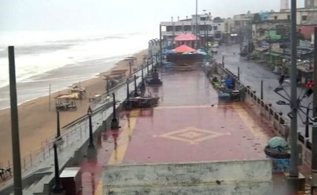 Cyclone Titli Live Highlights: 8 Dead In Andhra Pradesh, Bus Services Suspended
