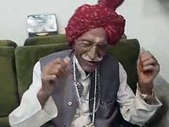 फर्जी खबरों से सावधान : MDH के मालिक महाशय धर्मपाल गुलाटी के निधन की खबर झूठी
