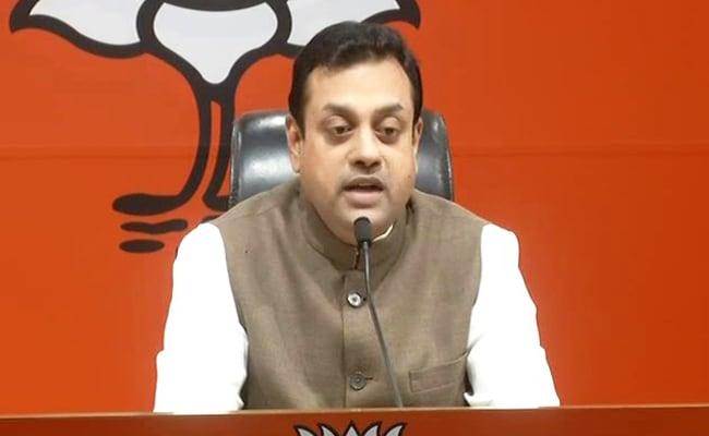 कांग्रेस पर हमला- आप पाकिस्तान में फेसबुक एड से कैंपेनिंग करना चाहते हैं, इसलिए अच्छे नहीं लगते हिंदू