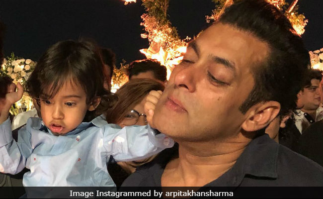 This Candid Pic Of Salman Khan With Nephew Ahil Is Way Too Cute To Be Missed thumbnail