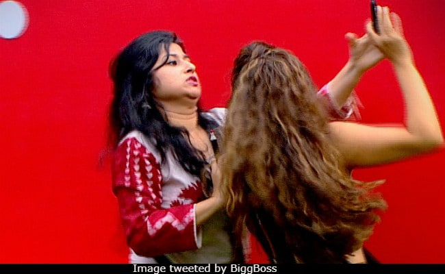 Bigg Boss 12, Day 24, Written Update: Shristy Rode And Saba Khan's Ugly Fight Leads To Ban On Captaincy