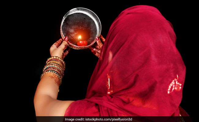 Karwa Chauth Moon Rise Time Today: Karva Chauth Puja Muhurat, Celebrations And Feast