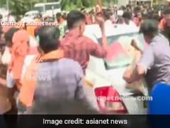 Mob Attacks Journalists Near Sabarimala, NDTV Crew Blocked By Protesters