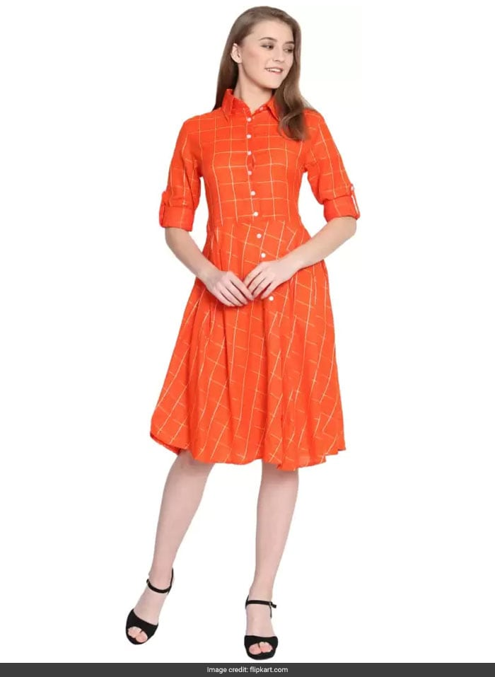 9fe523a08429 Soha Ali Khan Shows Us How Orange Is The New Black. Get Her Look