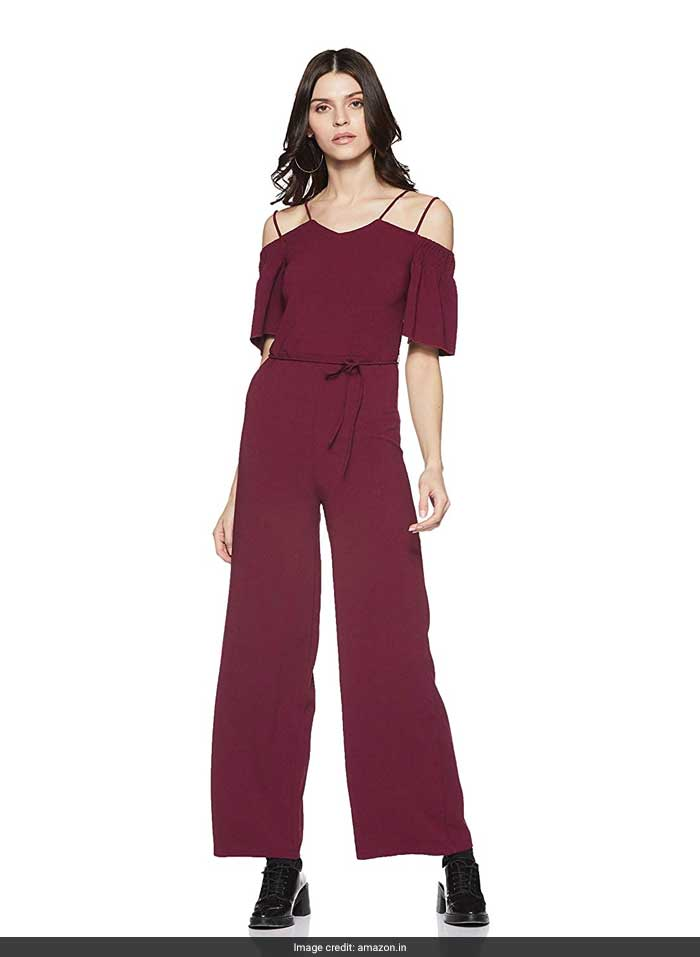 8991f655 In A Chic Jumpsuit, Kiara Advani Nails This Season's Hottest Style Trend