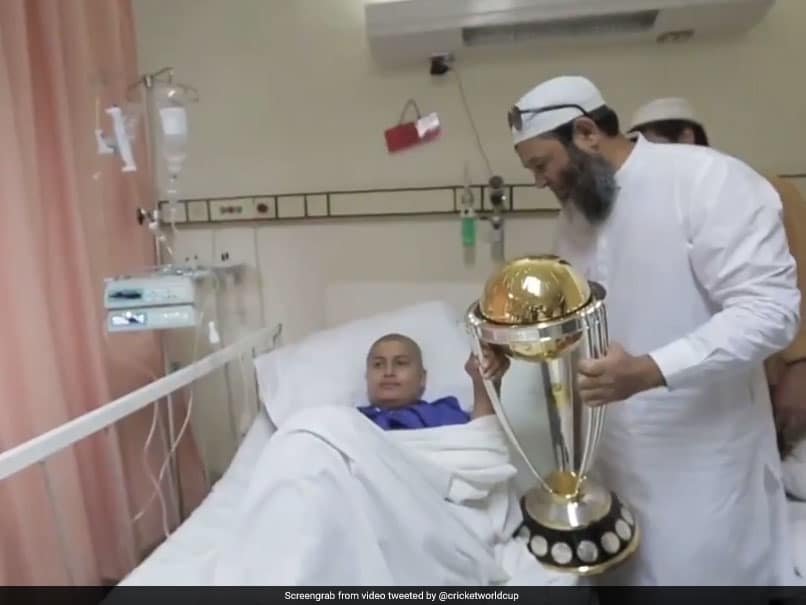 Former Pakistani spinner Mushtaq Ahmed Visits Cancer Patients With ICC World Cup Trophy