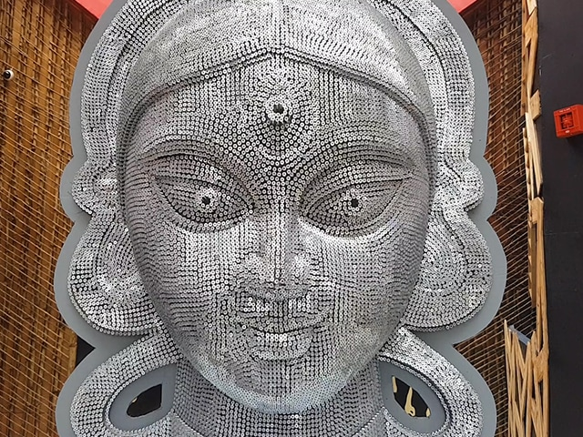 Video : স্পর্শ- অনুভবের দুর্গা পুজোয় সামিল হন সমাজ সেবী সংঘের সঙ্গে