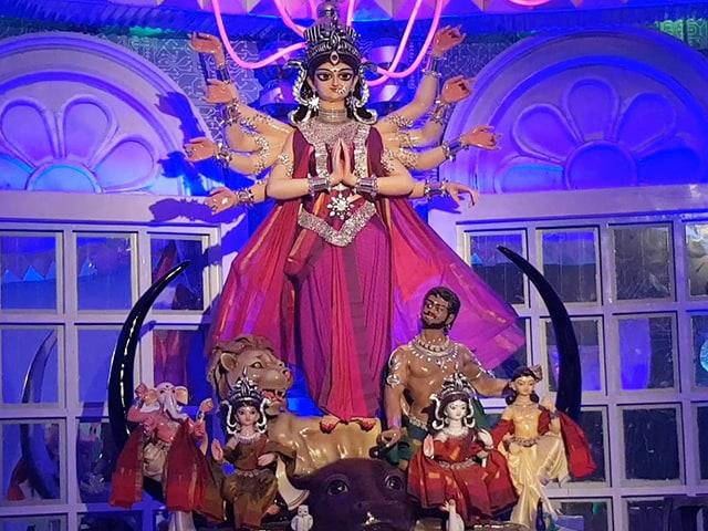 Video : জগৎ মুখার্জি পার্কের দুর্গা পুজো 2018