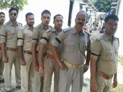 विवेक तिवारी हत्याकांड: यूपी पुलिस के बाग़ी तेवर! आरोपी प्रशांत चौधरी की गिरफ्तारी के विरोध में पुलिसवालों ने बांधी काली पट्टी