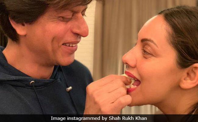 Shah Rukh Khan Birthday: शाहरुख खान ने कुछ यूं मनाया 53वां बर्थडे, शेयर की ये Photos