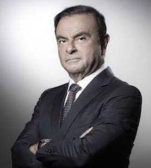 Carlos Ghosn Remains Renault CEO After Arrest, With New Deputy