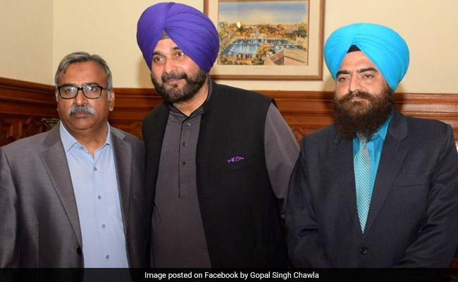Roasted For Photo With Pro-Khalistan Leader, Navjot Sidhu's Defence