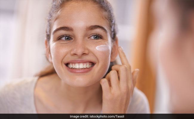 सर्दियों में कैसे करें त्वचा की देखभाल, यहां हैं 5 बेस्ट टिप्स